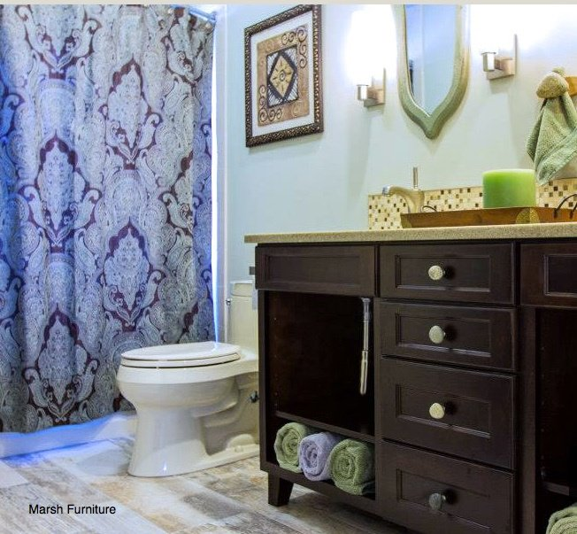 Design Tips to Open Up A Windowless Bathroom